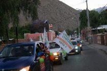 Orlando Chelme cierra su campaña con multitudinaria caravana por la comuna de Paihuano