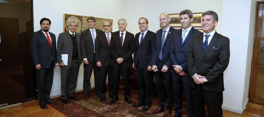Chile y Argentina llaman a precalificación de empresas para construcción de Túnel Agua Negra