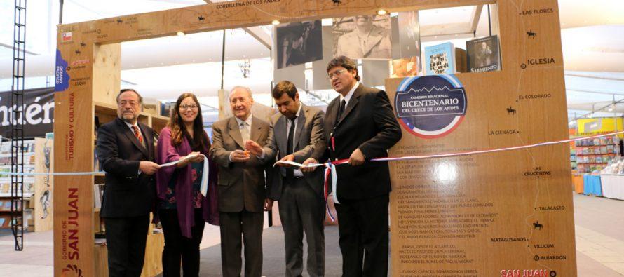 Stand de la Región de Coquimbo cuenta con sección de libros de San Juan Argentina en FILSA
