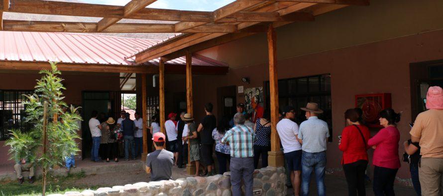 Con atochamientos en dos mesas se desarrollan elecciones en Paihuano