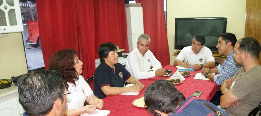 Carabineros, bomberos y Cesfam de Paihuano se reunieron para analizar temas de emergencia