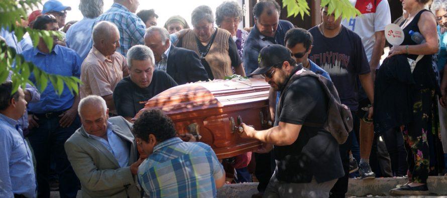 Vecinos de Paihuano despiden a victima de trágico accidente vehicular
