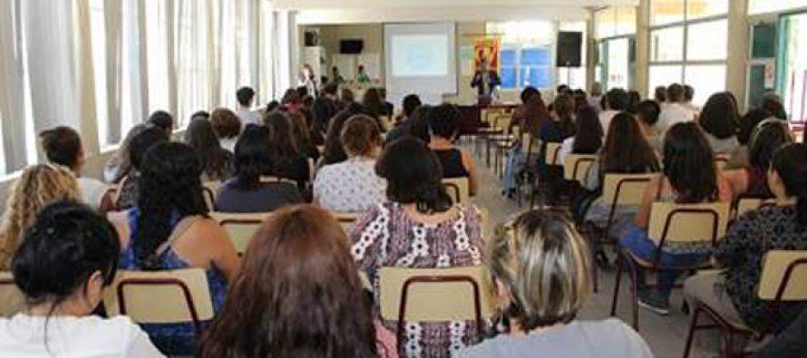 Supereduc analiza nueva normativa educacional con comunidad educativa del Colegio Antonio Varas
