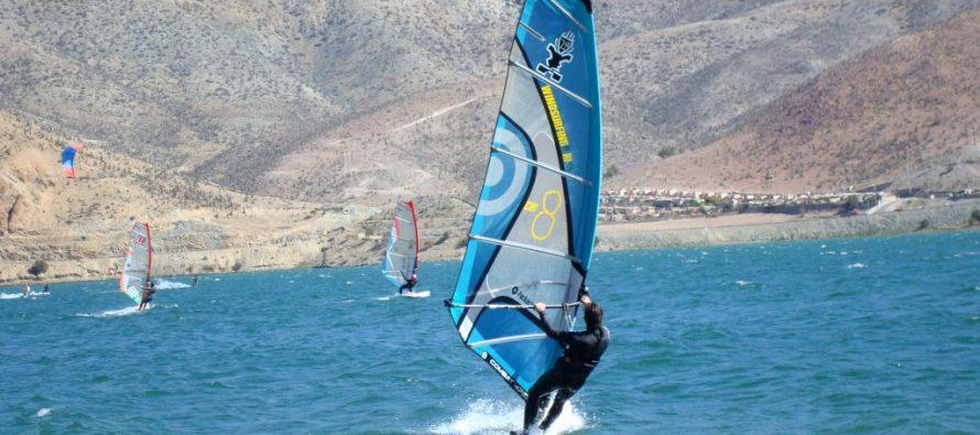 Vicuña se prepara para recibir un Campeonato Mundial de Windsurf en el Embalse Puclaro