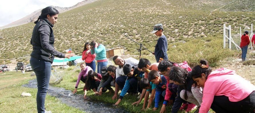 Alumnos de Diaguitas y Las Rojas conocieron el Santuario Estero Derecho ubicado en la comuna de Paihuano