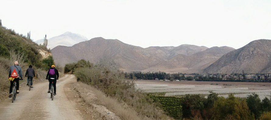 El ciclismo se vive en Vicuña con los bellos paisajes del Valle del Elqui