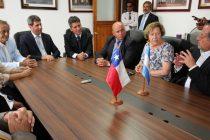 Gobernador Sergio Uñac sostiene diálogo con consejeros regionales durante su visita a la región
