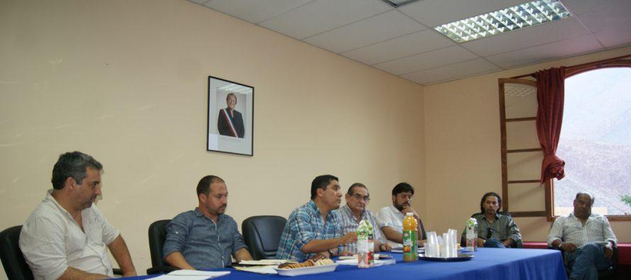 Representantes de organizaciones sociales de Paihuano se reunieron con alcalde para analizar diversas temáticas