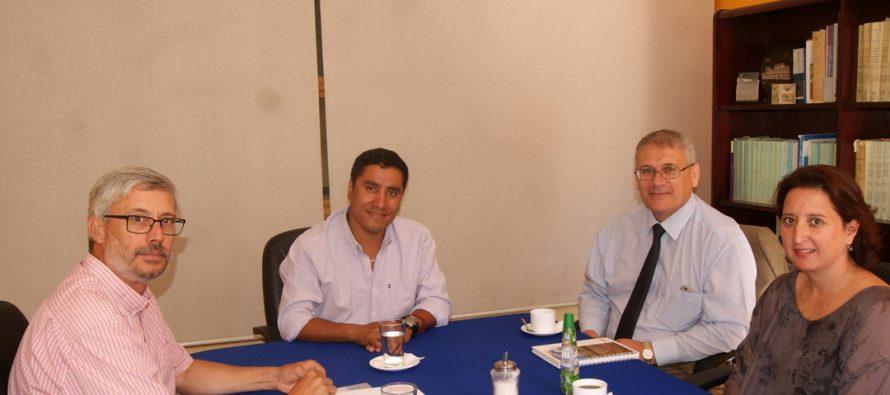 Alcalde Hernán Ahumada se reunió con representantes de Conafe para proyectos