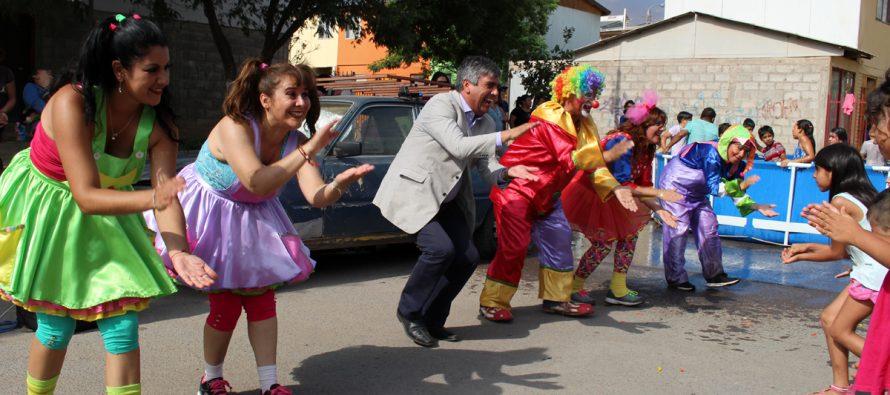 """En la población Manuel Rodríguez se vivió una nueva tarde de diversión con el """"Team Fantasía"""""""