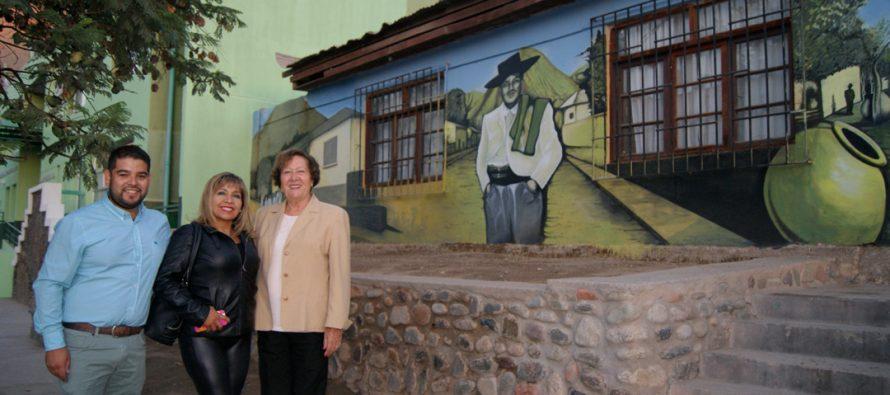 En Peralillo inauguran murales al aire libre que cuentan la historia del pueblo