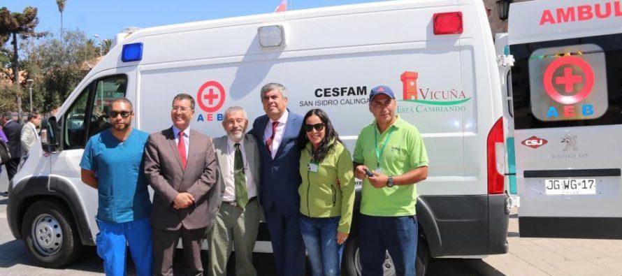 Gobierno Regional entrega nuevas ambulancias para reforzar atención primaria en 5 comunas