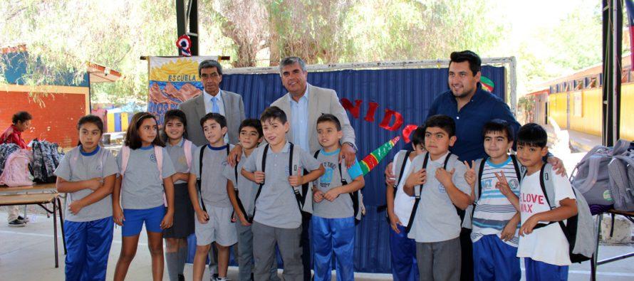 Más de dos mil estudiantes de la comuna de Vicuña comenzarán su año escolar equipados