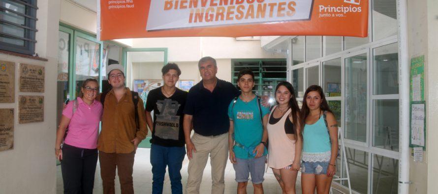 Un total de 8 jóvenes de Vicuña estudiarán este 2017 en la Universidad Nacional de San Juan