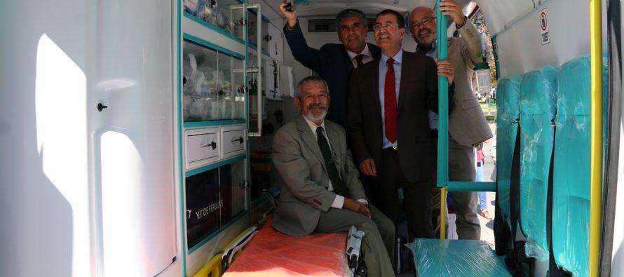 Vicuña recibe ambulancia para la atención primaria del CESFAM San Isidro-Calingasta