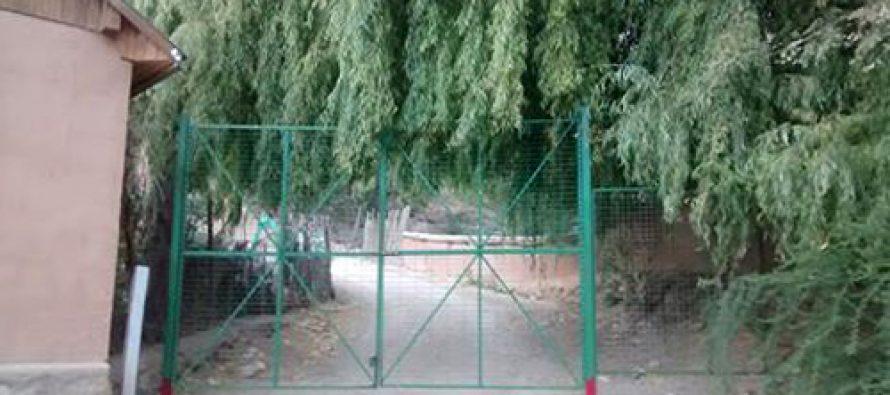 Instalación de portón hacia sector de La Isla en Pisco Elqui genera molestia en los vecinos