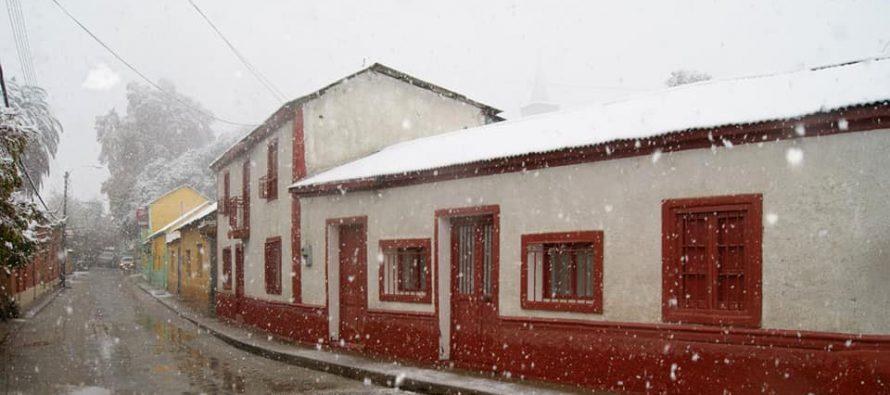Lluvia con 22,6 mm además de nieve en las localidades dejó este frente climático en Paihuano