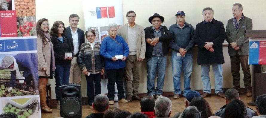 Capital de trabajo de INDAP llega a cubrir necesidades productivas de 290 campesinos de La Serena