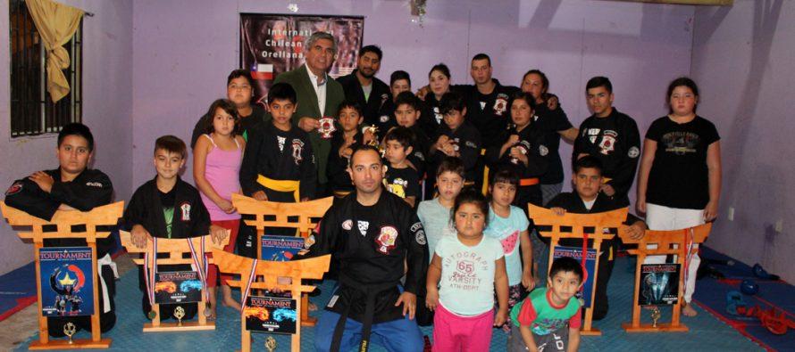 Academia de Kenpo de Karate resalta medallas ganadas en competencia internacional