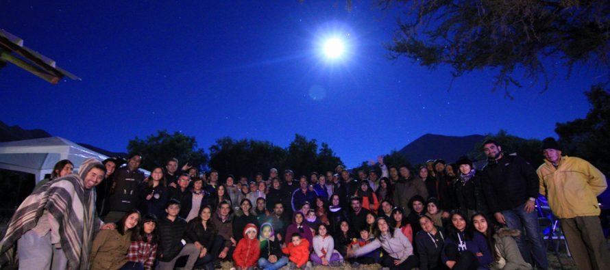 """Vicuña Capital Mundial de la Astronomía vivió su """"Moon Party"""" en el Parque Los Pimientos"""