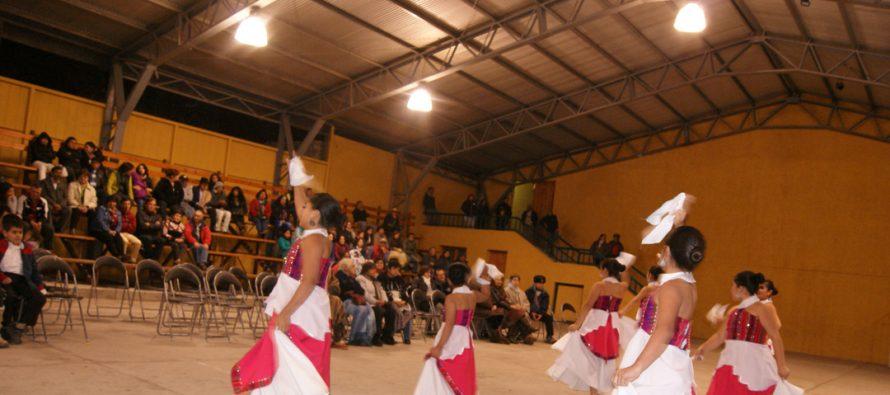 Agrupación folclórica de La Higuera ofreció destacada presentación en Paihuano