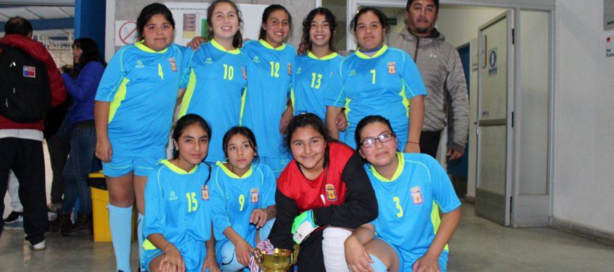Centenares de estudiantes fueron parte de los juegos deportivos escolares en Vicuña
