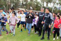 Vicuñenses disfrutaron con clínica de fútbol de Esteban Paredes y el entrenamiento de Colo Colo