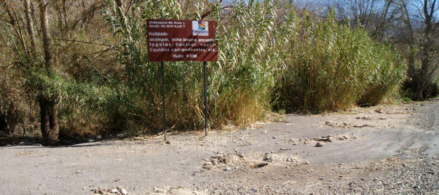 Molestia en Tres Cruces por cierre de la ribera del Río Claro