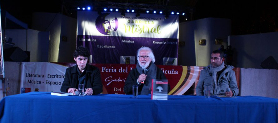 Gabriel Salazar deleitó al público con sus apreciaciones de la historia pasada y actual de Chile