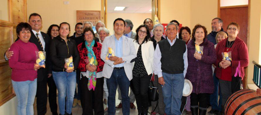 Paihuano firma convenio con Banco Estado para agilizar trámites de la comunidad