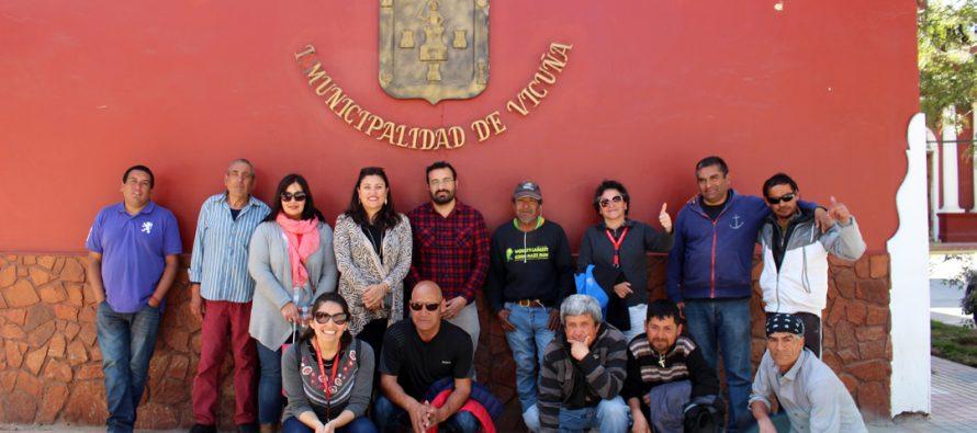 """Personas del programa """"Calle Somos Familia"""" de La Serena realizan turismo social en Vicuña"""