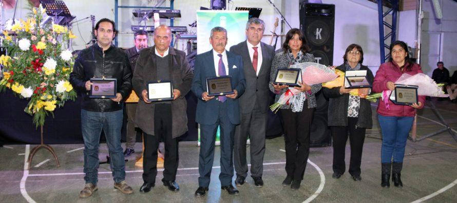 Distinguen a 6 dirigentes en diversas áreas de desarrollo social de la comuna de Vicuña