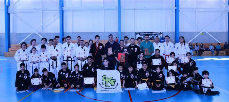 Con gran participación se realizó el seminario de Kenpo Kárate en el polideportivo de Vicuña