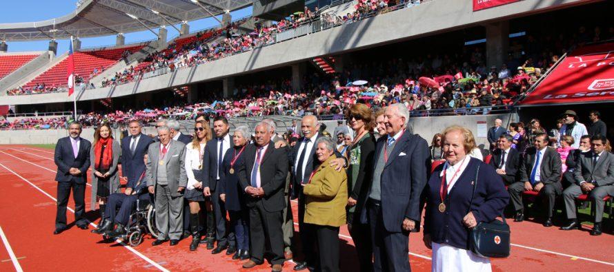 La Serena celebró su aniversario 473 con la condecoración de vecinos y desfile en La Portada