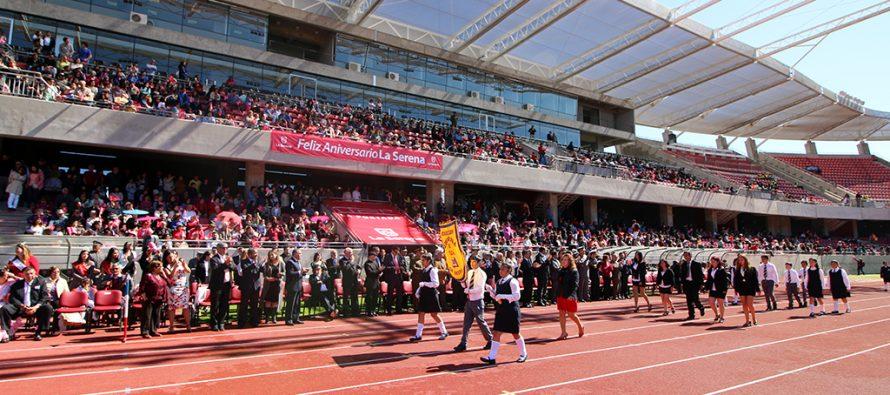 La Serena celebró su desfile de aniversario en el estadio La Portada