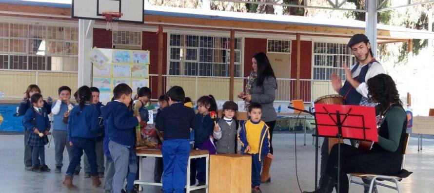 """Alumnos de la escuela de El Tambo conmemoran el """"Mes Nerudiano"""" con diversas actividades"""
