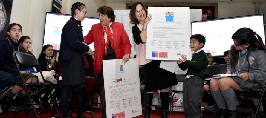 Estudiante de Vicuña entregó propuestas de Parlamentos Escolares Saludables a Ministras de Educación y Salud