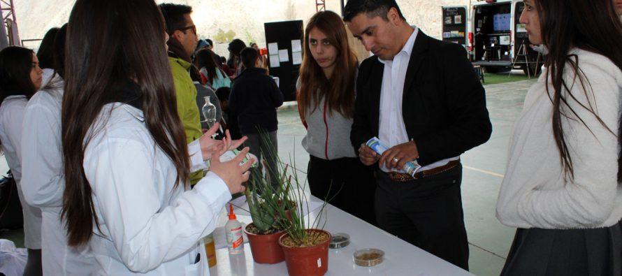 Liceo Mistraliano destaca trabajo académico en III Feria Científica Escolar