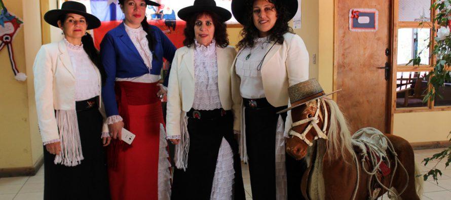 Funcionarios municipales de Paihuano comienzan a vivir las Fiestas Patrias  con concurso de adornos dieciocheros