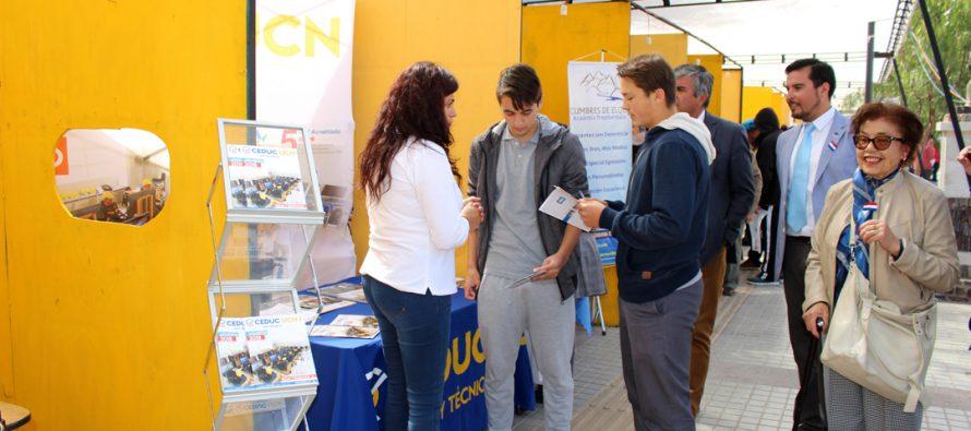 Alrededor de 18 instituciones estuvieron presentes en la 2da Feria Vocacional de Vicuña