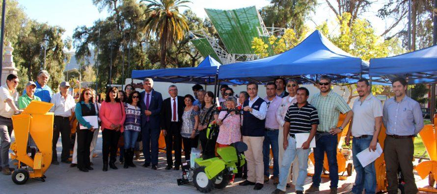 Un total de 31 usuarios de INDAP en Vicuña recibieron maquinaria e implementos