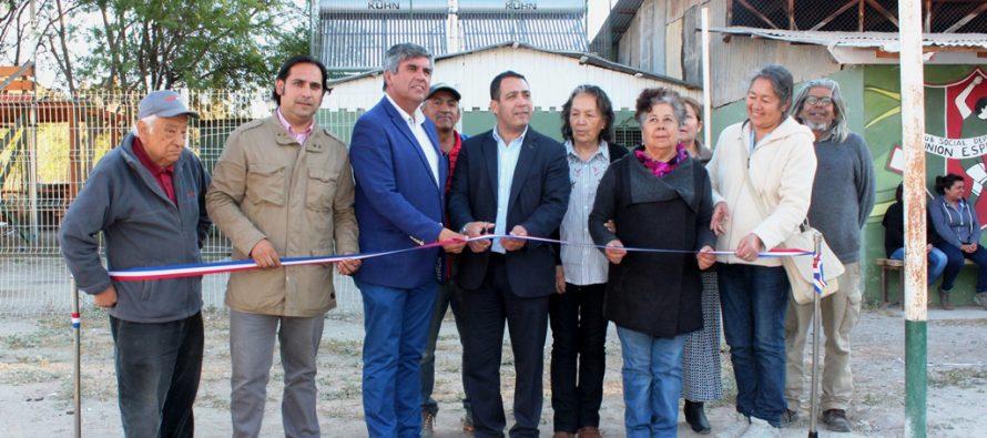 Club deportivo Unión Esperanza de El Tambo cuenta con agua caliente gracias a la energía solar