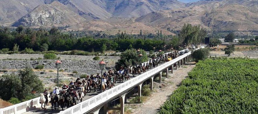 Masiva cabalgata de peregrinación unió a los clubes de Huasos de Paihuano y Vicuña