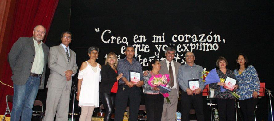Con reconocimientos conmemoran el Día del asistente de la educación en Vicuña