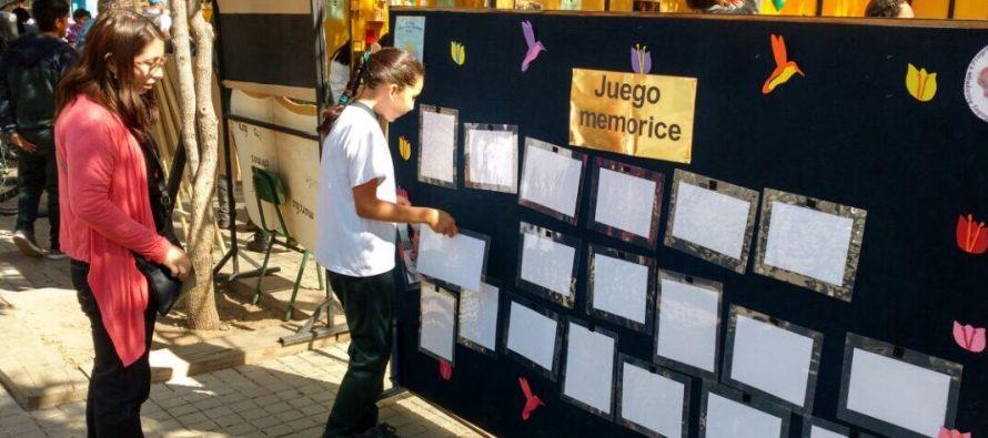 Escuela Lucila Godoy Alcayaga de Vicuña realiza I Feria Integral en plaza Gabriela Mistral