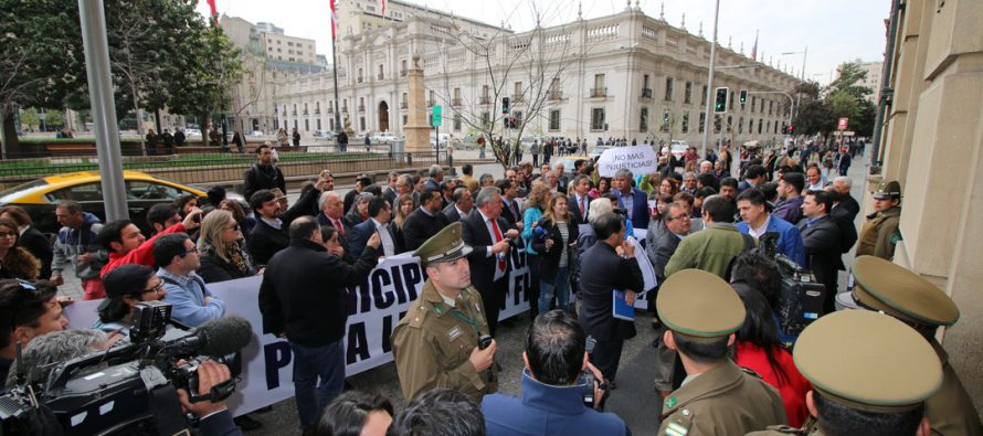 En Santiago municipios marcharon exigiendo recursos para leyes sin financiamiento