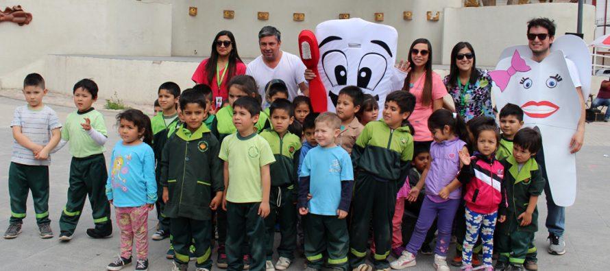 Con gran acogida se desarrolló la 2da Feria Bucal en la plaza Gabriela Mistral de Vicuña