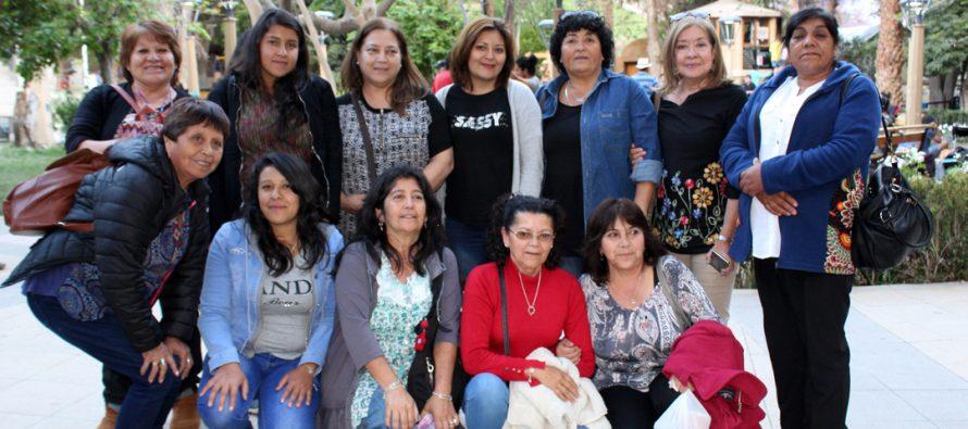 Emprendedoras de Huasco desarrollan gira técnica en la comuna de Paihuano