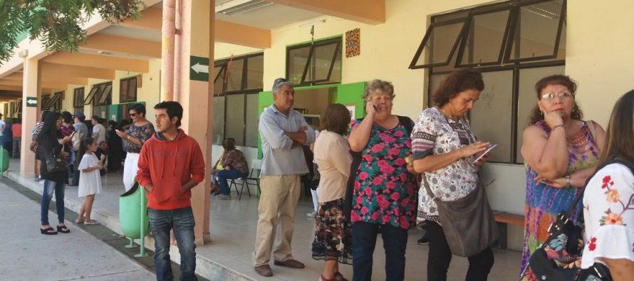 Continúa el desarrollo de las elecciones en los dos locales de Vicuña