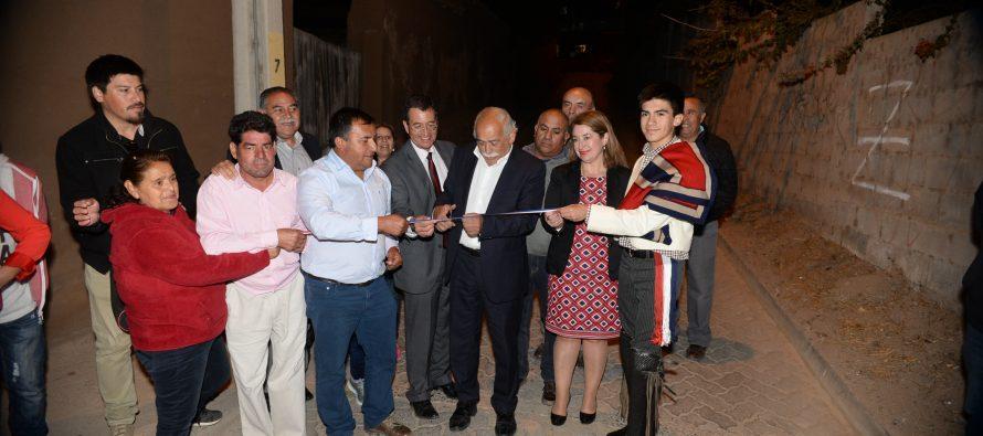 Inauguran oficialmente pavimentación de camino en Algarrobito